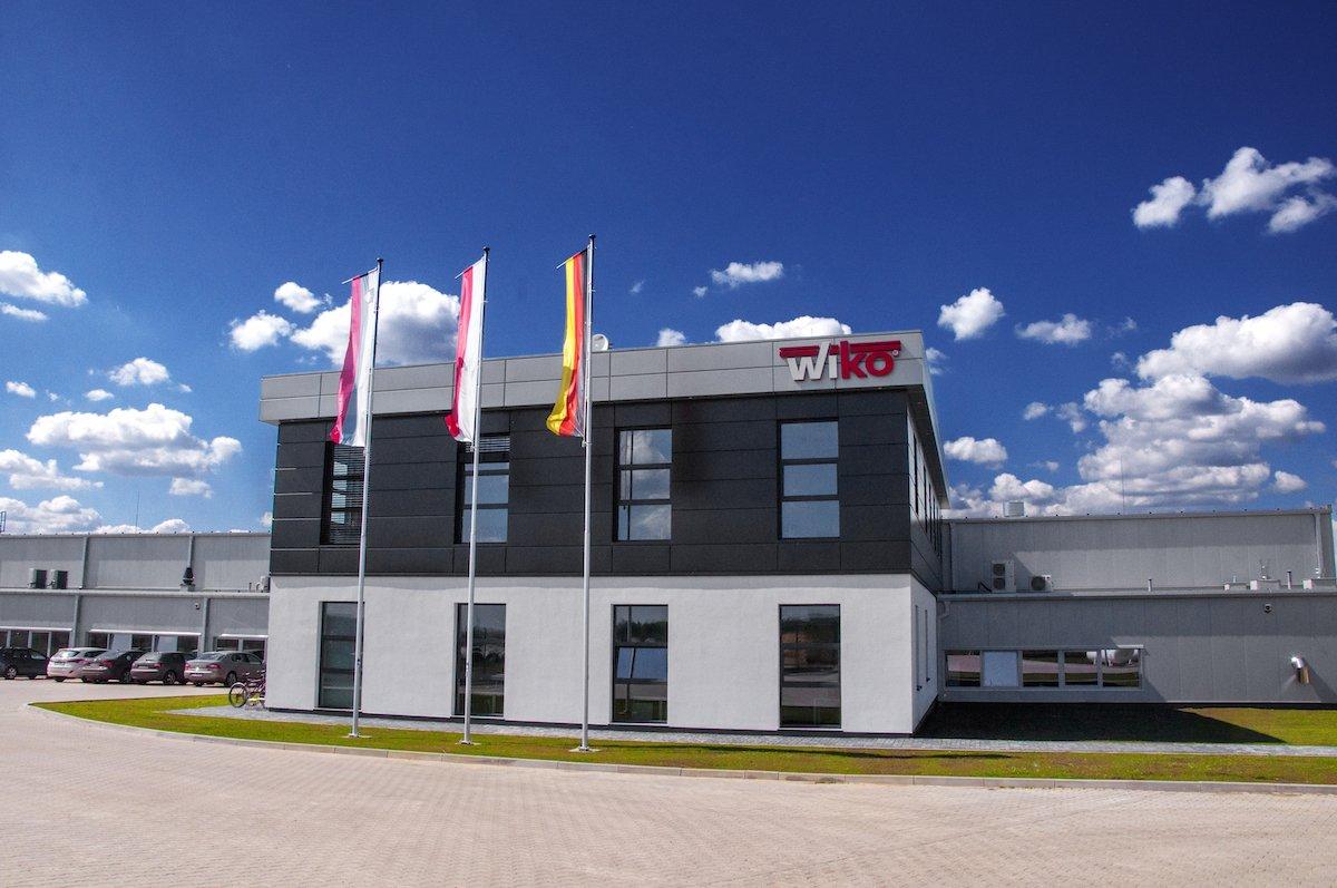 Hala produkcyjno-magazynowa z budynkiem biurowym