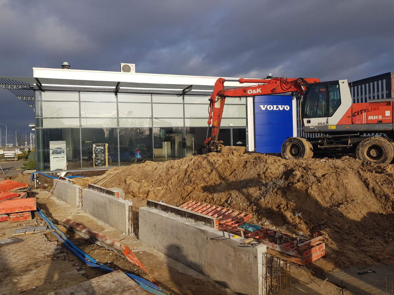 Volvo Wrocław – fundamenty